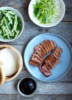 Stekt ris med reker - Mat På Bordet Grill Pan, Sausage, Spicy, Food Porn, Pork, Food And Drink, Meat, Kitchen, Red Peppers