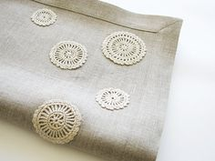 Natural linen table runner decorated with handmade flowers motifs- unbleached- natural gray linen color Doily Art, Farmhouse Table Decor, Braid Designs, Crochet Table Runner, Handmade Table, Coordinating Fabrics, Irish Crochet, Handmade Flowers, Natural Linen