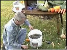 ▶ How to Brew Compost Tea - YouTube By John Evans who has won numerous Guinness records for the size of his veggies in ALASKA!