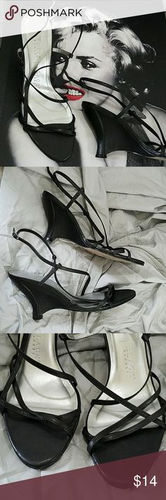 White House Black Market 4 inch heel Nick on outside of right shoe, see photos White House Black Market Shoes Heels
