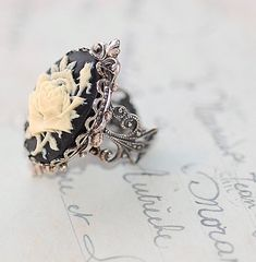 Gothic Rose Cameo Antiqued Silver Ring(gorgeous)