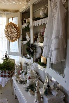 Aiken House & Gardens ~ Winter/ Christmas in the sunroom