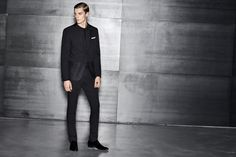 A sharp tailored look for BOSS pre-Spring 2017 for an evening spent in style