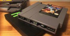 ¿Fan de las consolas retro? Alucina con este cartucho y sus 2.400 juegos - http://www.hwlibre.com/fan-las-consolas-retro-alucina-este-cartucho-2-400-juegos/