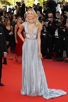 Romee Strijd in an Alberta Ferretti gown at the 'Everybody Knows' premiere and opening ceremony, 71st Cannes Film Festival, 2018 #romeestrijd #cannes #redcarpet