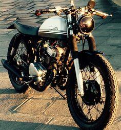 Honda CM125 by Dauphine-Lamarck