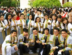 Graduation picture day for Chulalongkorn students.  http://www.hello-thailand.net