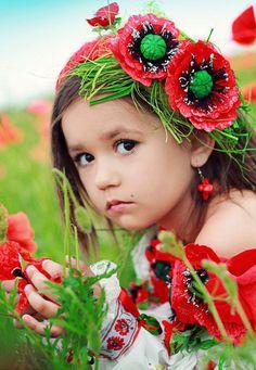 Wedding in Ukrainian style Pretty Kids, Pretty People, Cute Kids, Cute Little Baby, Little Babies, Cute Babies, Flower Head Wreaths, Flower Headdress, Bless The Child