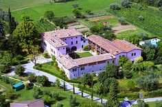 Agriturismo Cascina Cà Nova - Puegnago del Garda ... Garda Lake, Lago di Garda, Gardasee, Lake Garda, Lac de Garde, Gardameer, Gardasøen, Jezioro Garda, Gardské Jezero, אגם גארדה, Озеро Гарда ... Welcome to Farm Holiday Cascina Cà Nova Puegnago del Garda. The Cascina Cà Nova is a lovely 16th century building situated just inland from Lake Garda and is surrounded by 15 acres of wheat fields, olive groves, vineyards, orchards and woodland. The building ha