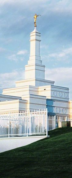 The beautiful Bismarck, North Dakota Mormon Temple . Mormon Temples, Lds Temples, North By Northwest, Jesus Christ Lds, Savior, Bismarck North Dakota, Temple Pictures, Lds Art, Lds Mormon