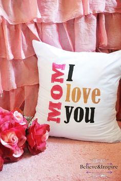 Hello readers! Are you looking for gift ideas for your mom? Worry not, today I'm sharing a fairly easy DIY pillow tutorial with free template that you can