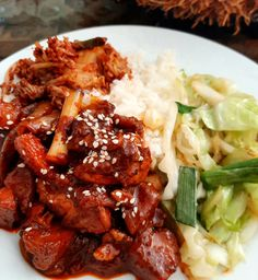 Dak-dori-tang 닭도리탕 (Korean Spicy Chicken Stew) Korean Side Dishes, Cooking White Rice, Fried Cabbage, Toasted Sesame Seeds, Spicy Sauce, Spicy Recipes, Korean Food, Dory, Cooking Time