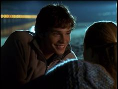 An early appearance. Tom Welling Smallville, King Tom, Lana Lang, Kristin Kreuk, Clark Kent, Beautiful Smile, True Love, Movies And Tv Shows, Superman