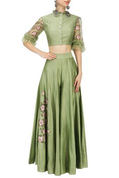 Baavli presents Green embroidered crop top and Sharara pants set available only at Pernia's Pop Up Shop. Choli Designs, Sari Blouse Designs, Indian Gowns Dresses, Indian Outfits, Indian Attire, Indian Wear, Bride Dresses, Girls Dresses, Indian Crop Tops