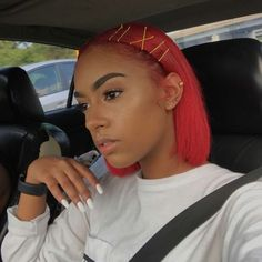 Modern Bob Hairstyles For Women, looking for neat looks is far more important than just a pretty face or the latest 2019 haircut! Baddie Hairstyles, Long Hairstyles, Straight Hairstyles, Red Weave Hairstyles, Bobby Pin Hairstyles, Dyed Natural Hair, Dyed Hair, Hair And Beauty, Curly Hair Styles