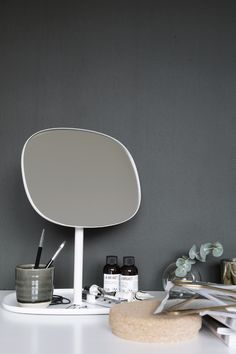 8 Vanities For The Minimalist Beauty Junkie , a post by Cleshawn Montague on The Edit. These vanities scream sleek, Scandinavian style. If you're into the minimal vibe, look no further for the ultimate makeup storage goals. Image via Nordic Days Makeup Storage Goals, Minimalist Beauty, Hallway Furniture, Interior Decorating, Interior Design, Interior Styling, Minimalist Apartment, Scandinavian Style, Home Furnishings