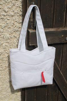 """Un #sac """"Annie"""" version monochrome blanc, ultra élégant cousu par Raphaelle. - Patron de #couture Sacôtin"""