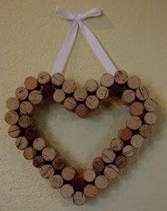Encore de la déco avec des bouchons de vin... Serais-je capable de faire un aussi beau coeur ???