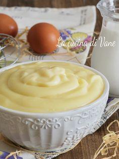 Tortilla Sana, Almond Paste Cookies, Savarin, Pastry Art, Cake Fillings, Weird Food, Italian Desserts, Cream Recipes, Relleno
