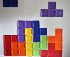 DIY Tetris Photo Backdrop use square plates Video Game Party, Party Games, Video Game Decor, Glow Party, Diy Party, Party Ideas, Festa Do Pac Man, 80s Birthday Parties, Tetris