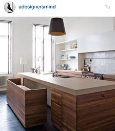 Bench disappears under kitchen-surface Living Magazine Kitchen Island bench inspiration Storage ideas for small places Küchen Design, House Design, Interior Design, Design Ideas, Modern Design, Design Interiors, Modern Contemporary, Clean Design, Design Inspiration