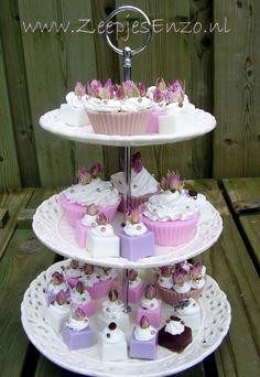 Cupcakes gebakjes van zoutdeeg groep 8 selfmade for Decoratie nep snoep