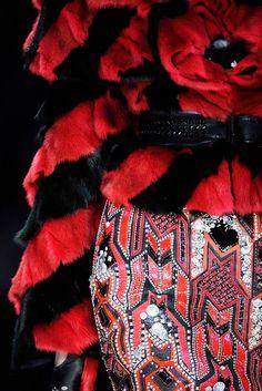 Alexander McQueen Fall 2009 Ready-to-Wear Fashion Show Details