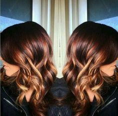 For an edgy chic look, you should never miss the red balayage hair. This hair color is fantastic for thicker hair, for it will make the thick hair look more textured and bounier. Red hair will make… Love Hair, Great Hair, Copper Hair, Hair Color And Cut, Balayage Hair, Blonde Bayalage, Copper Bayalage, Red Blonde, Blonde Streaks