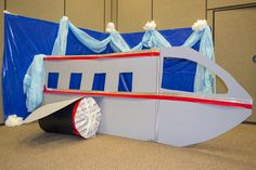 Dramatic Play area for Toddlers and Pre-Primaries at Needs a spinning propeller. Pre Primary School, Cardboard Play, Aviation Theme, Vbs Themes, Dramatic Play Area, The Great Race, Race Around The World, World Thinking Day, Airplane Party
