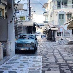 Ο 'παλιός' δρόμος της Παναγίας!!! Φώτο:@fragidel #tinos_island #τηνος #visittinos #visitgreece #wu_greece #welovegreece #travelingreece #greecelover #greekislands #cyclades #igers_greece #ig_greece Greece, Island, Instagram Posts, Greece Country, Islands