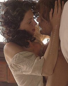 """OUTLANDER PASION on Instagram: """"#outlander"""" Claire Fraser, Jamie And Claire, Jamie Fraser, Diana Gabaldon Outlander Series, Outlander Tv Series, Sam Heughan Caitriona Balfe, Sam Heughan Outlander, Sam Hueghan, Sam And Cait"""