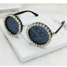 Cheap oculos feminino, Buy Quality round sunglasses women directly from China brand round sunglasses Suppliers: Top Quality Protective Eyeware Women Round Sunglasses Women Crytal Vintage Brand Designer Sun Glasses Shades Oculos Feminino Round Lens Sunglasses, Sunglasses Women, Vintage Sunglasses, Womens Fashion Online, Latest Fashion For Women, Lunette Style, Cute Glasses, Discount Ray Bans, Fashion Eye Glasses