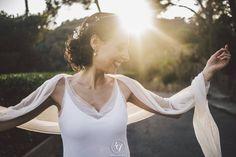 Una Novia natural, present en la seva bellesa unica...  A natural bride,  Present in her unique beauty... Gracies Julia per deixar-nos formar part de la teva felicitat i compartir ho. Una abrçada de l'atelier...