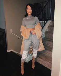 Find out more ideas about Design and style clothes, Plunder outfits and Woman style. Chill Outfits, Swag Outfits, Classy Outfits, Trendy Outfits, Cute Outfits, Fashion Outfits, Womens Fashion, Work Outfits, Fashion Killa