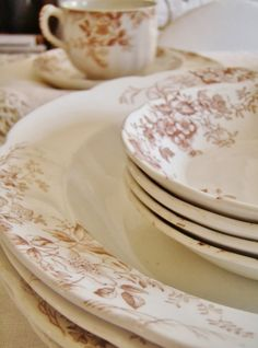 . . . Cabin & Cottage : Transferware For Spring