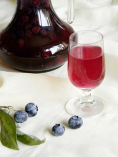 Good Food, Yummy Food, Tasty, Alcoholic Drinks, Beverages, Special Recipes, Wine Decanter, Red Wine, Blueberry