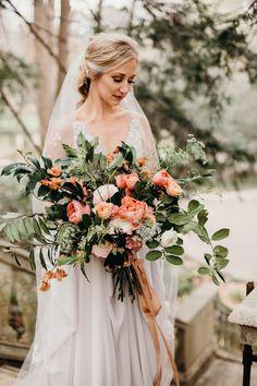 Picking the Perfect Flower Wedding Bouquet Hand Bouquet Wedding, Winter Bridal Bouquets, Wedding Flower Guide, Bride Bouquets, Wedding Bride, Wedding Ideas, Wedding Inspiration, Design Inspiration, Bohemian Wedding Flowers