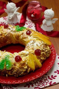 Na mesa de Natal há doces que não podem faltar. Na família gostamos de sonhos, das filhoses, das rabanadas e do arroz-doce polvilhado com c...