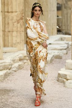 Chanel | Cruise 2018 | Look 65