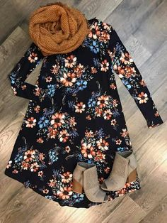 It looks super cute and comfy I love the color and pattern of the dress
