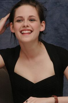 Kristen Stewart laughing and smiling :)
