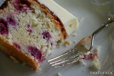 Raspberry Yoghurt Cake - Super easy to make and sooo yummy.