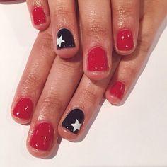 ❤️ #nailsbytram #naildesigns #nailart #gelpolish #stars #shellac ##redwhiteandblue @tramsnails #Padgram