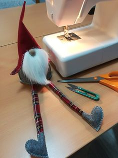 Best 11 Instructions on how to make a few different nisse – SkillOfKing. Diy Hair Accessories Storage, Christmas Gnome, Xmas, Valentine Decorations, Christmas Decorations, Scandinavian Christmas, Holiday Crafts, Creations, Free Images