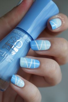 DIY Nail Art | Taped Gradiënt Sky ~ Beautyill | Beautyblog met nail art, nagellak, make-up reviews en meer!