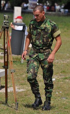 Portuguese army parachutist - Paracaidista ejército portugués