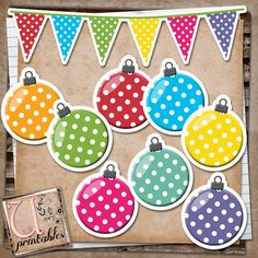 U printables by RebeccaB: FREE Printable - Christmas Ornaments and Bunting