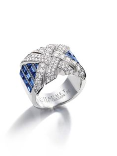 New Liens Haute Joaillerie collection by Chaumet debuts at Paris Couture Week - Chaumet high jewelry Liens (cross ) collection. Sapphire and white diamonds. High Jewelry, Luxury Jewelry, Jewelry Accessories, Jewelry Design, Sapphire Jewelry, Gemstone Jewelry, Diamond Jewelry, Diamond Rings, Silver Jewelry