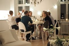 Char and the city - Ideas for a wine tasting - decoration, wines, wine glasses - read more on the blog: http://www.idealista.fi/charandthecity/2016/09/27/viininmaistelu #winetasting #redwine #whitewine #sparklingwine #wineglasses #tablesetting #kitchen #party