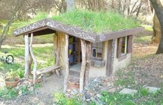 DIY kids' playhouse stays naturally cool during hot summers
